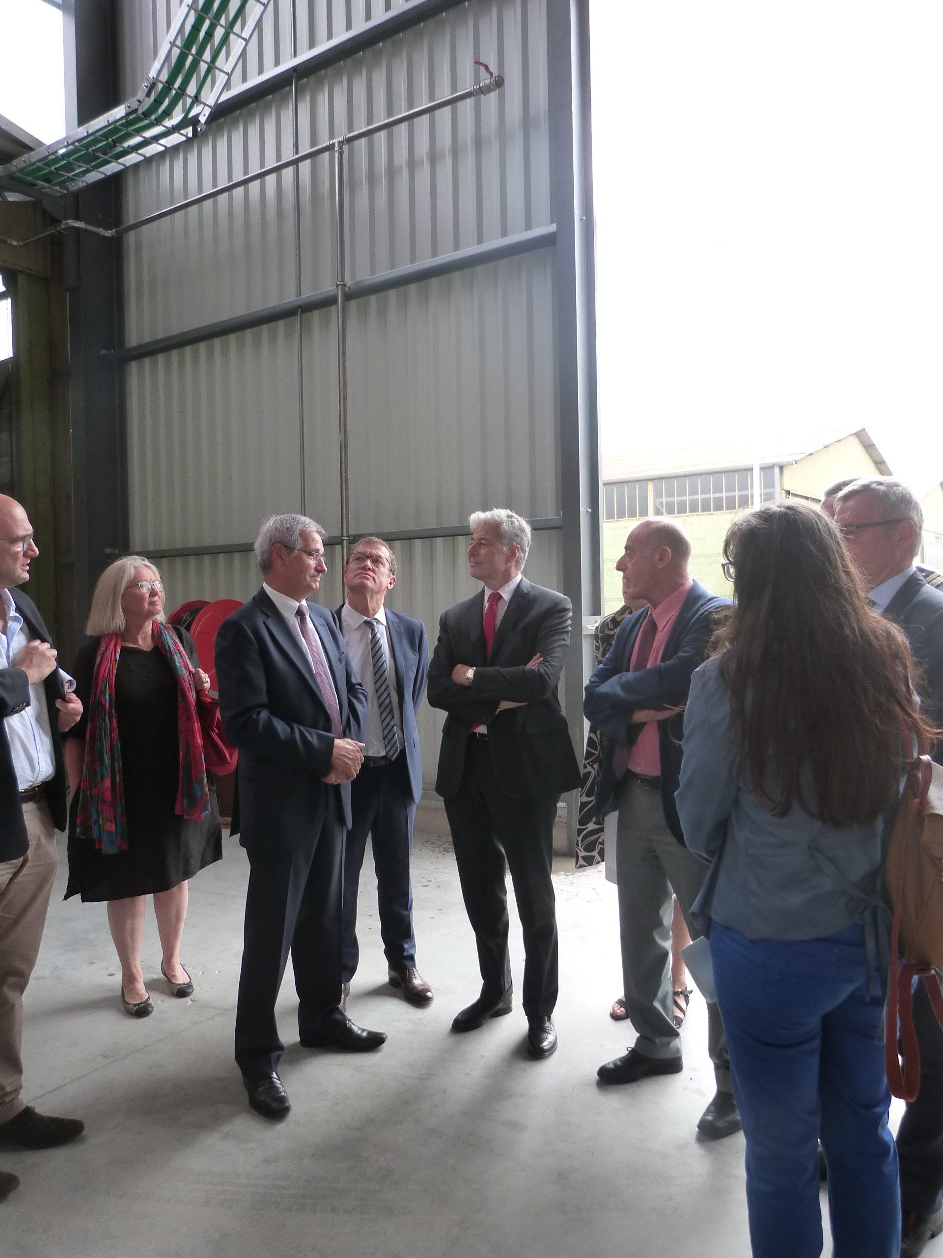 Le préfet de la région Auvergne-Rhône-Alpes visite l'EcoCentre de Varennes
